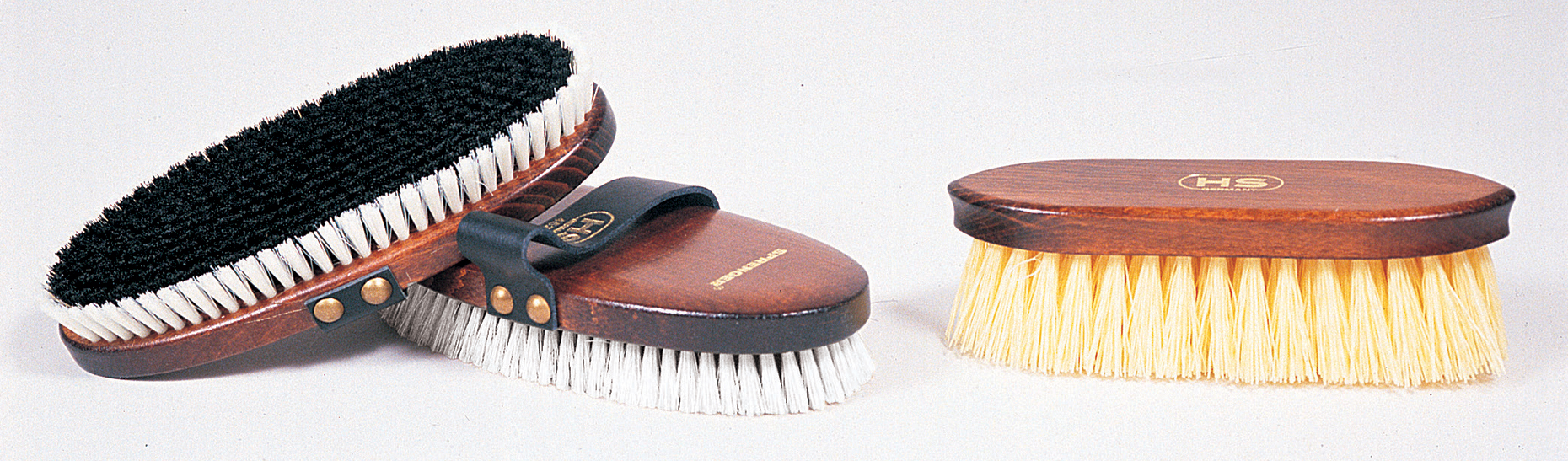 How to Clean Horse Brushes | Dover Saddlery