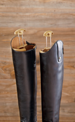 Boot Pulls, Jacks & Trees Image