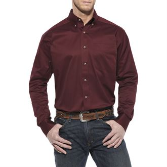 Ariat® Men's Solid Twill Classic Fit Long Sleeve Shirt