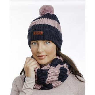 Horseware® Knitted Hat & Snood