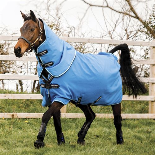 Horseware® Ireland Amigo® Hero Plus 900D Disc-Front Medium-Weight Turnout Blanket