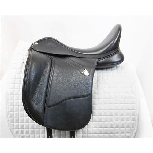 Used Bates WIDE Dressage+ Saddle with CAIR® Panels